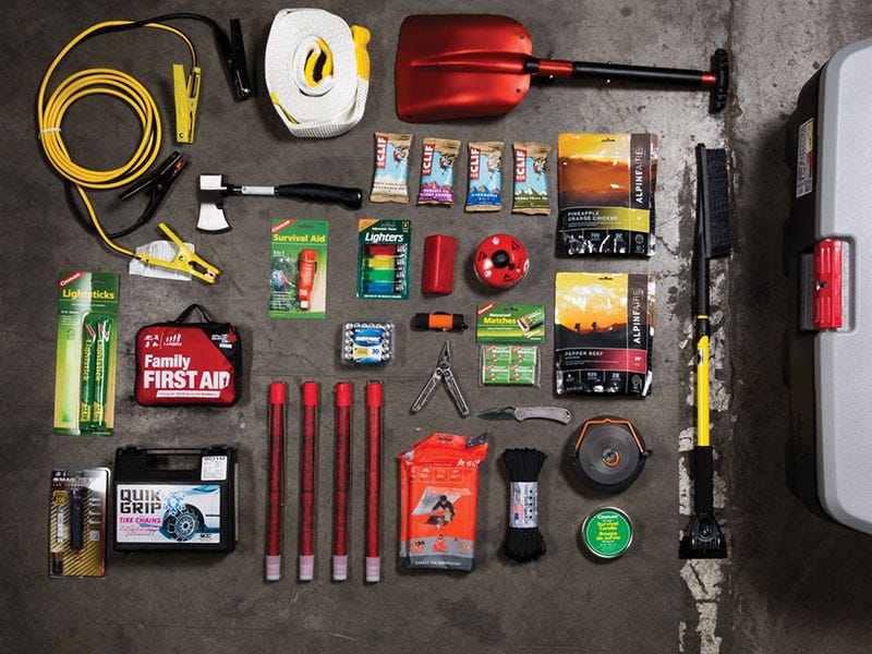 What Should you Have in a Vehicle Winter Emergency Kit?